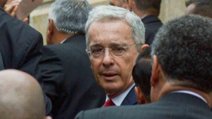 El Tribunal superior de Colombia pone al ex presidente Uribe bajo arresto domiciliario