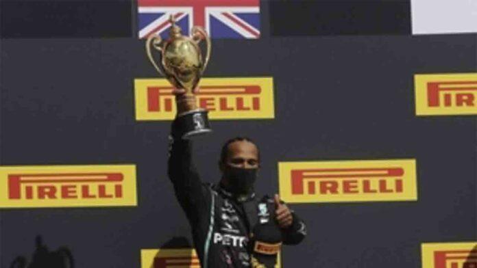 Hamilton gana con agonía en Silverstone y Sainz pierde la cuarta plaza