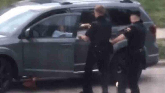 La policía de Wisconsin dispara 7 tiros por la espalda a un hombre negro desarmado