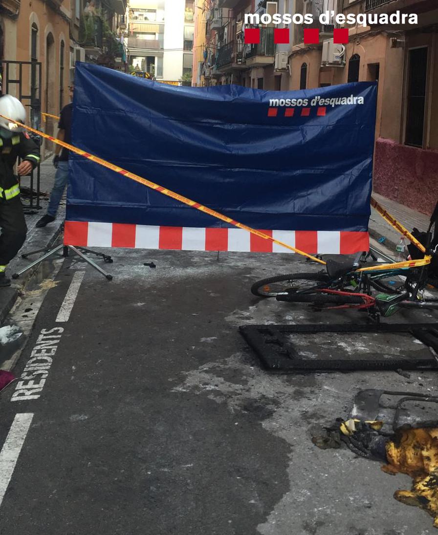 Tres muertos y un herido grave en un incendio en el barrio de la Barceloneta