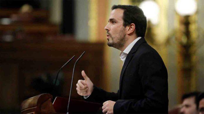 Alberto Garzón se compromete con una estrategia contra la obesidad infantil