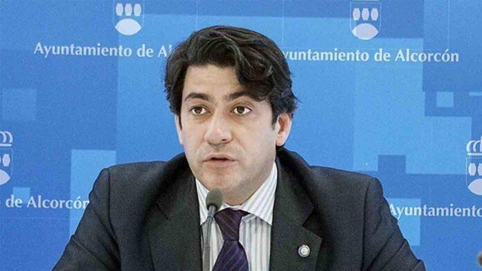 Sospechas de corrupción a otros dos cargos del PP de Madrid próximos a Casado