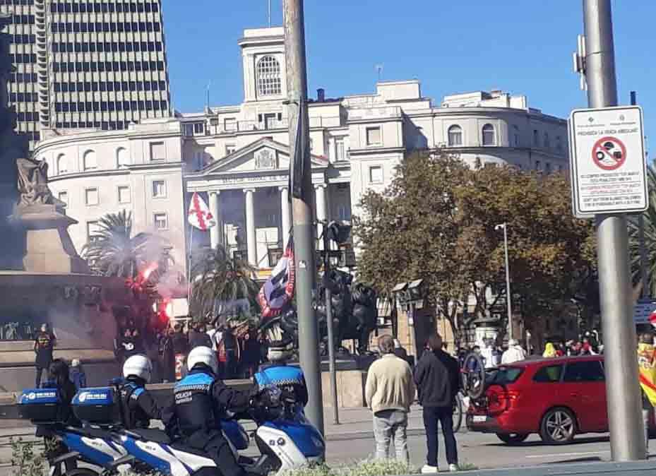 Barcelona denuncia ante la fiscalía la simbología franquista del 12 de octubre-1