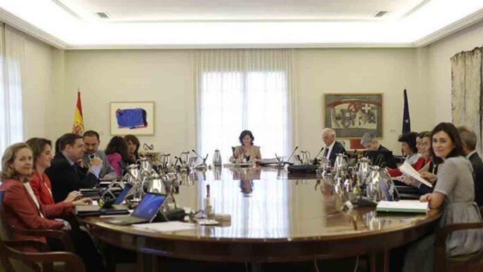 Calvo queda al cargo del Consejo de Ministros para decidir el confinamiento de Madrid