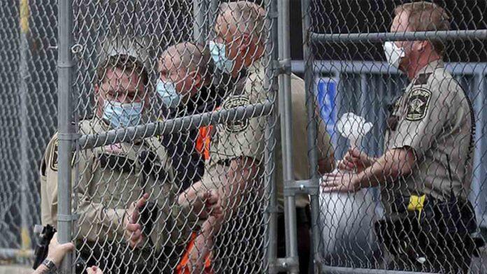 El policía que mató a George Floyd sale de la cárcel tras pagar un millón