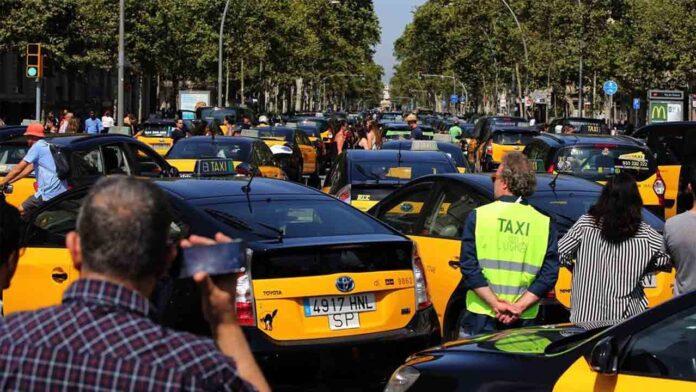 El sector del taxi del AMB anuncia movilizaciones
