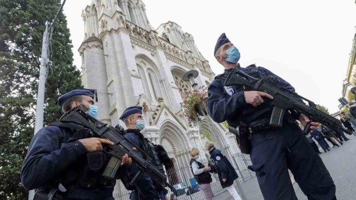 Tres detenidos más en Francia por el atentado del jueves en Niza