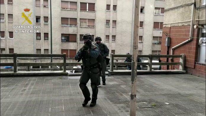 Desarticulada una organización de tráfico de drogas que operaba de Burdeos a Bizkaia