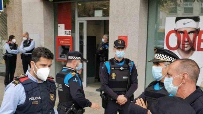 Asalta por segunda vez el mismo banco en Lleida, hiriendo a dos trabajadores con un martillo