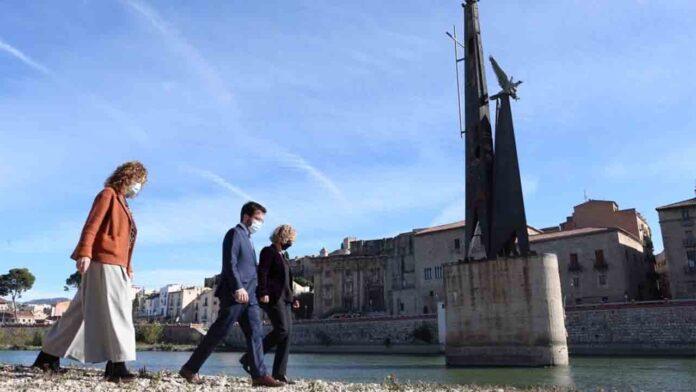 El polémico monumento franquista de Tortosa se retirará por piezas este verano