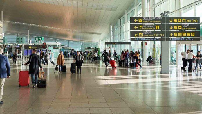 España exigirá a los viajeros procedentes de países de riesgo una PCR negativa de 72 horas de antelación