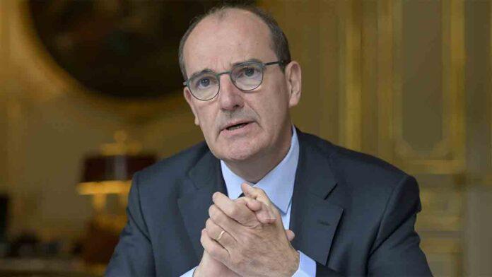 Francia prohíbe la venta de productos no esenciales en los supermercados