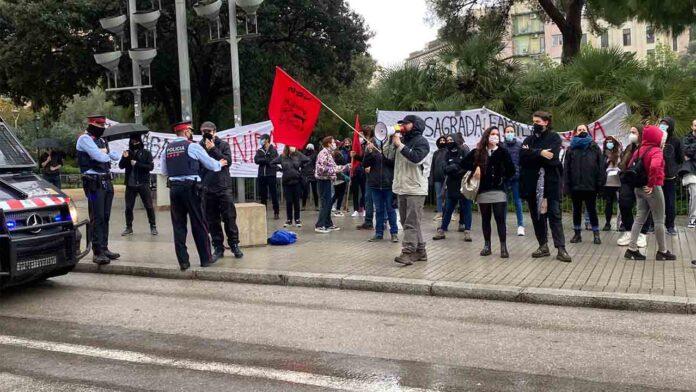 Protesta de los trabajadores de la Sagrada Familia de Barcelona por las condiciones laborales