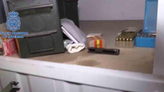 Descubren numeroso armamento de guerra y munición en Barcelona
