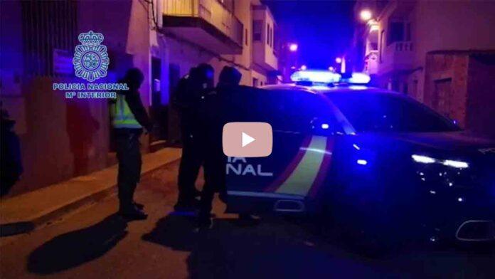 Detenido el familiar de un miembro de DAESH por amenazar con un cuchillo a varias personas en Castellón