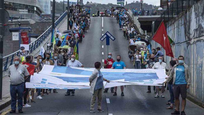 Diez presos vascos serán acercados y uno trasladado al País Vasco