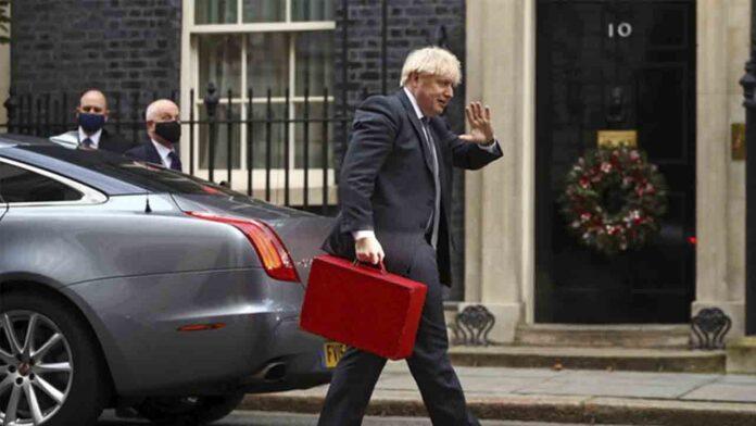El Parlamento británico aprueba el acuerdo comercial con Europa