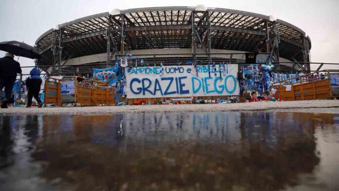 El estadio de fútbol del Nápoles cambia el nombre a 'Diego Armando Maradona'