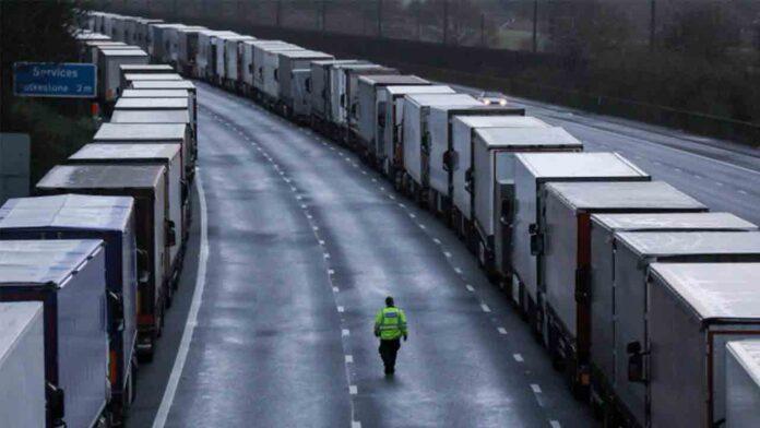 Francia reabrirá las fronteras del Reino Unido cerradas tras la nueva cepa