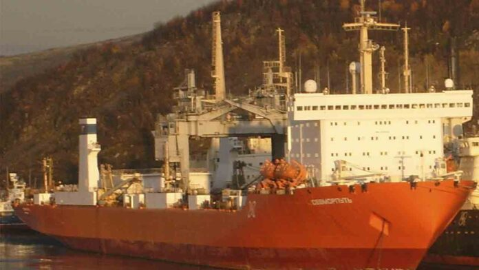 La Marina Mercante supervisa la navegación del buque ruso SEVMORPUT