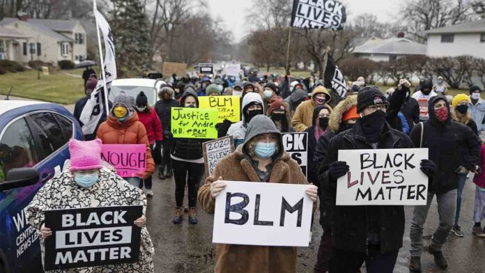 La policía de EE.UU. mata a otro hombre negro desarmado