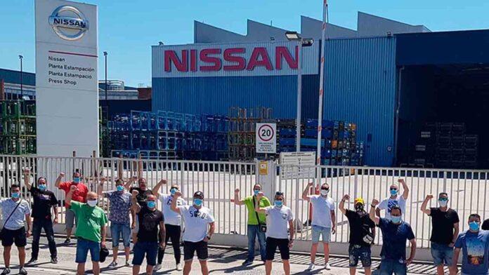 Los trabajadores de Tecnove, subcontrata de Nissan, se movilizan contra el cierre
