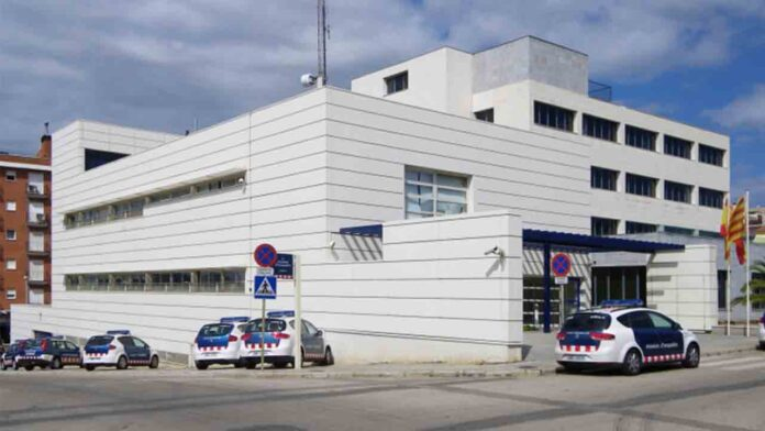 Suspenden a dos Mossos por burlarse de una menor que había sido violada