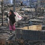 Refugiados sirios huyen del campamento del Líbano tras incendiarse
