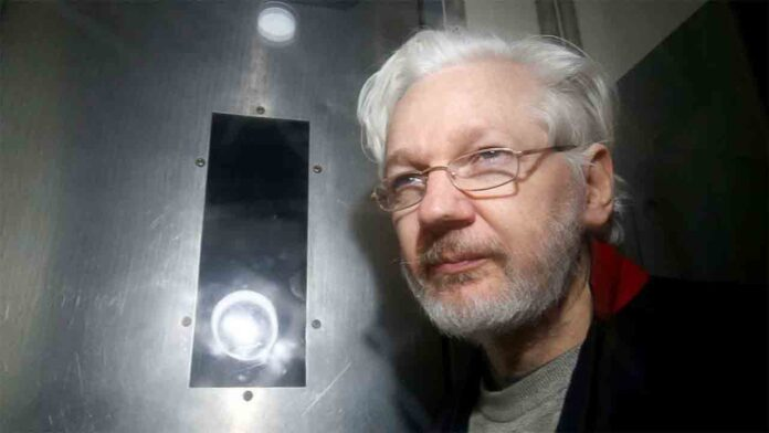 Un relator de la ONU pide a Trump que indulte a Assange para