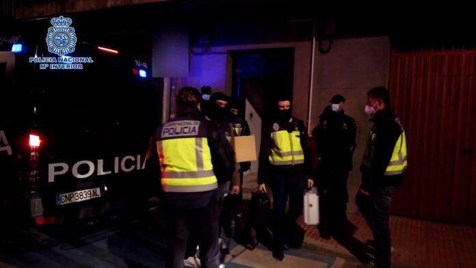 Detenido en Madrid un imán profesor de una madrasa por su actividad pro DAESH