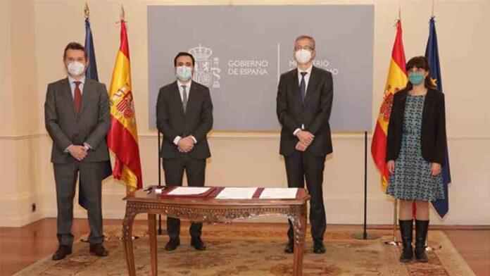 Consumo, Banco de España y CNMV firman un convenio para mejorar la protección de los consumidores