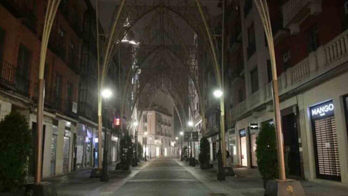 El Gobierno recurre el toque de queda a las 20 horas en Castilla y León