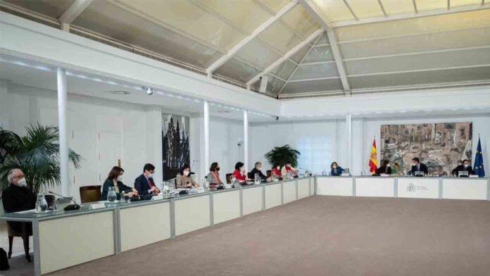 Illa participa en su último Consejo de Ministros
