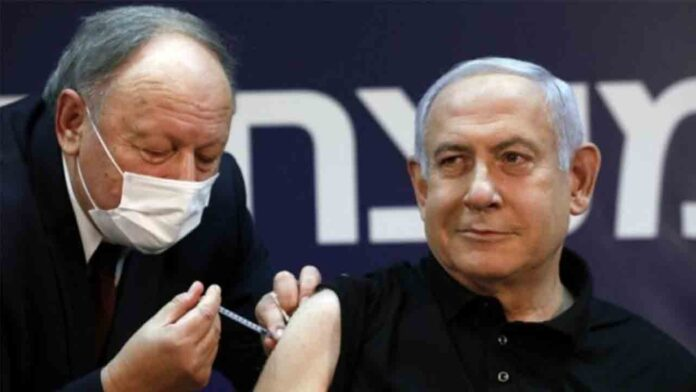 Israel suministra la vacuna a los colonos que ocupan Cisjordania y excluye a los palestinos