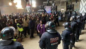 2 detenidos, 5 investigados y 215 identificados en la fiesta de Llinars en Barcelona