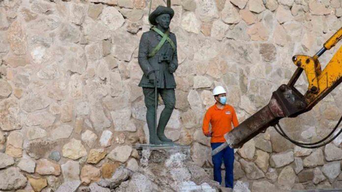 El Gobierno aplaude la retirada de la estatua de Franco en Melilla
