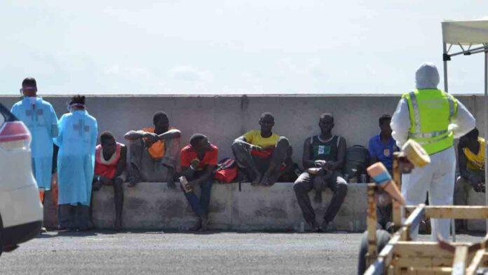 Interior suspende el vuelo de repatriación de migrantes a Senegal
