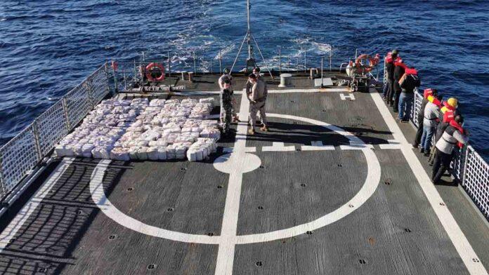 Intervienen 3.000 kilos de cocaína en un buque frente a las costas gallegas