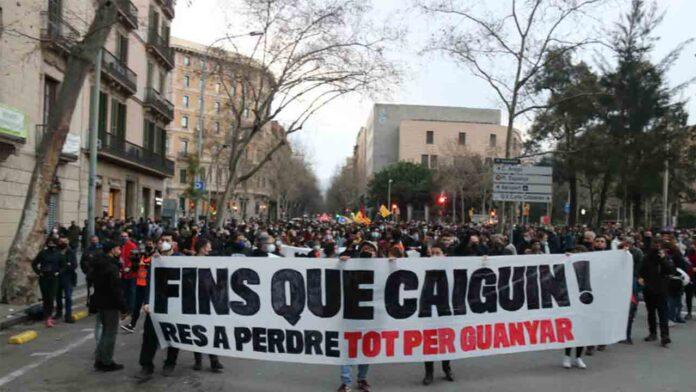 Miles de personas se manifiestan en Barcelona por la libertad de Hasel