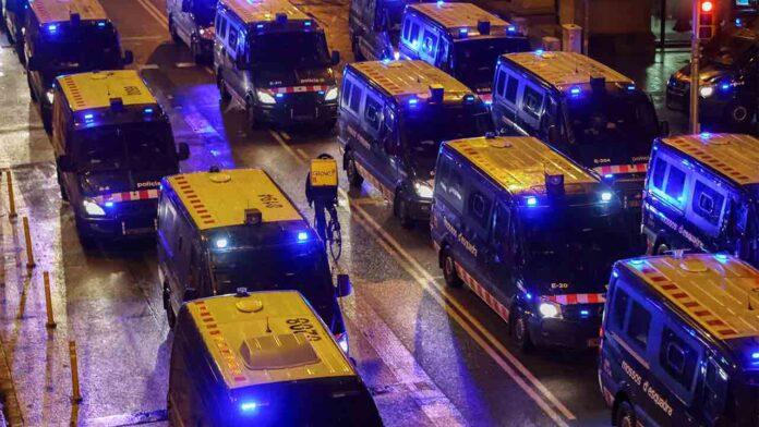 Séptima noche de altercados en Barcelona en defensa de Hasel