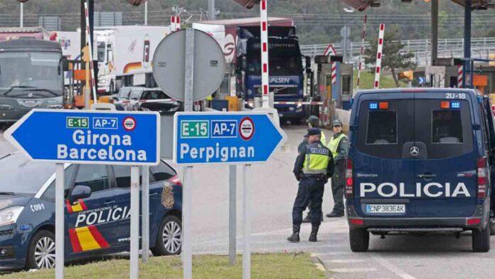 31 detenidos en La Junquera por viajar con PCR falsificados