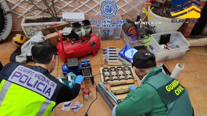 37 detenidos que introducían billetes falsos de 500 euros
