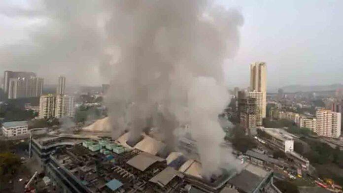 Al menos 10 muertos por un incendio en un hospital de Mumbai, India