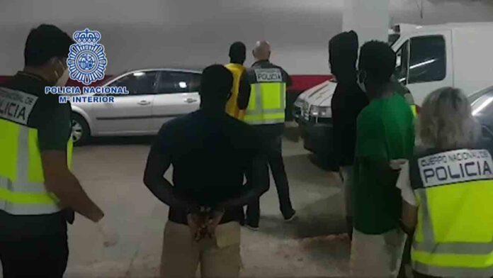 Detenidos los patrones de 7 embarcaciones que llegaron a Gran Canaria y Lanzarote