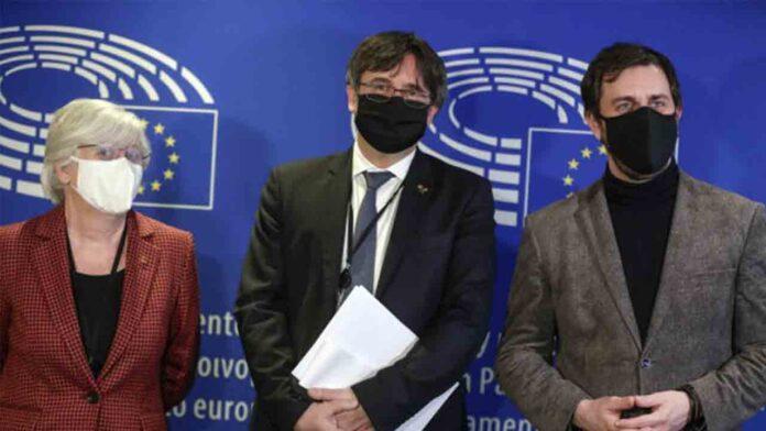 El Parlamento Europeo levanta la inmunidad a Puigdemont, Ponsatí y Comín
