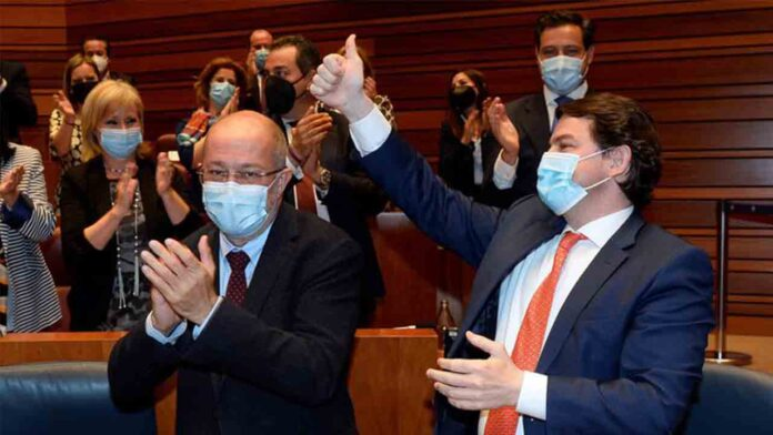 Fracasa la moción de censura en Castilla y León