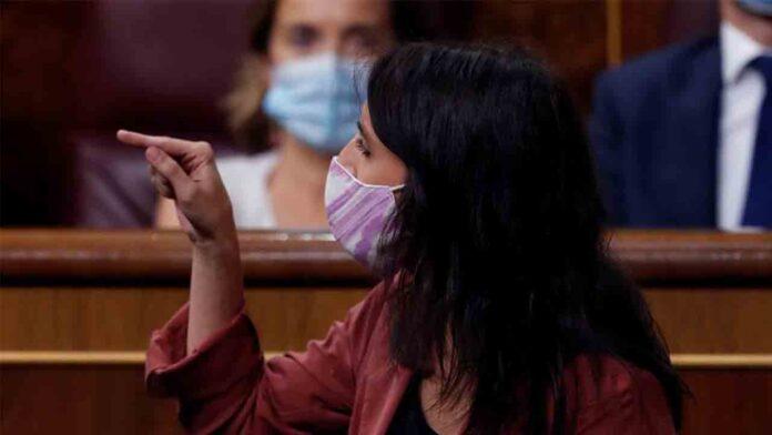 Irene Montero: 'La vacunación de las infantas cuestiona la utilidad de la monarquía'