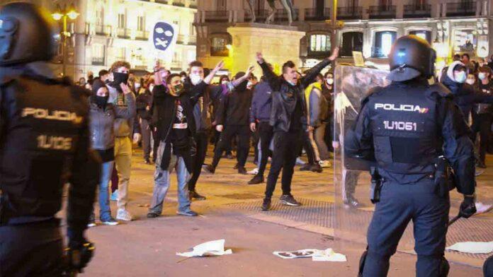 La policía impide la manifestación en apoyo a Pablo Hasel en Madrid