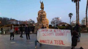 La policía impide la manifestación en apoyo a Pablo Hasel en Madrid de más de un millar de personas