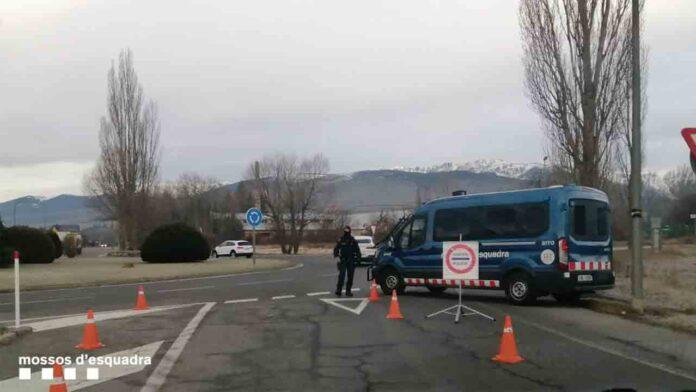 Pillan un autocar con 59 esquiadores saltándose el confinamiento